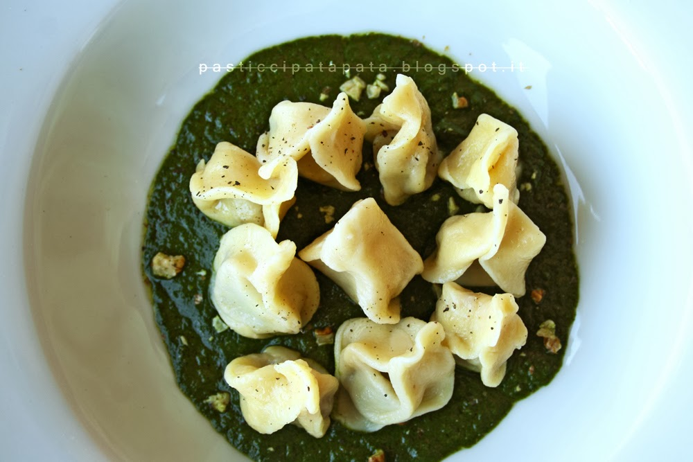 http://1.bp.blogspot.com/-jl4ZB2o_wiQ/Uwtwofppo5I/AAAAAAAACas/wuCNo4OQSQw/s1600/ravioli+vegan+marroni2.jpg