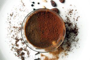 Budino peruviano di canihua e cacao