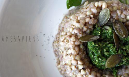Grano saraceno al pesto di rucola e semi di zucca