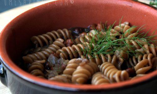 Pasta e ceci: con pasta integrale e ceci rossi della Puglia