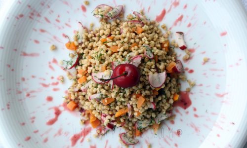 Cous cous integrale con ciliegie in salsa agrodolce