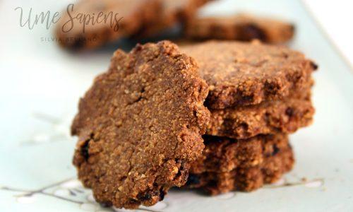 Frollini vegan con okara di mandorle e cannella (senza zucchero, con malto d'orzo e carruba)