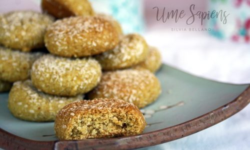 Biscotti al cocco vegan senza glutine con farina di piselli
