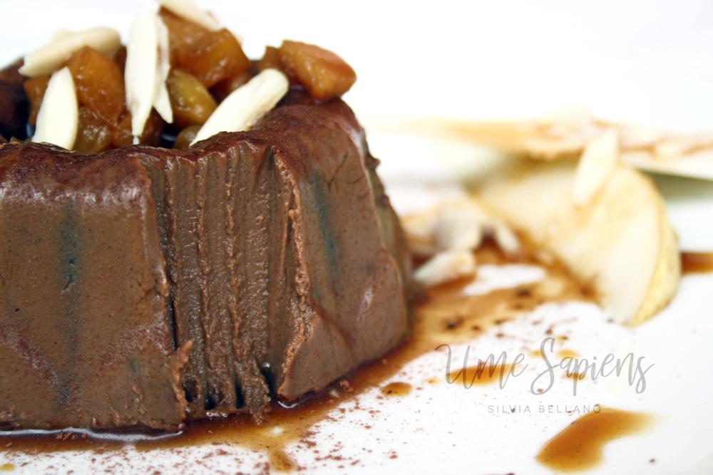 budino al cioccolato con pere caramellate